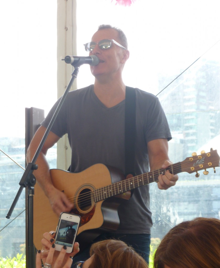 Singer James Reyne